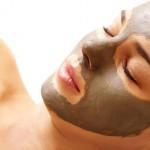 טיפולי פנים באמצעות פילינג לחידוש עור הפנים